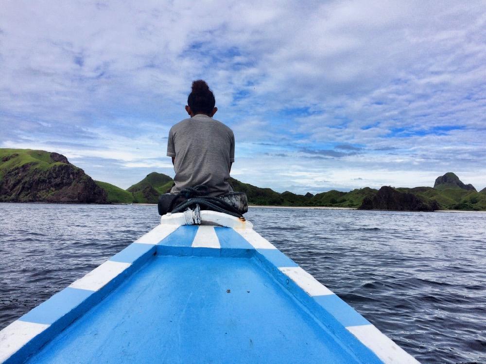 Cesta lodí na Padar Island