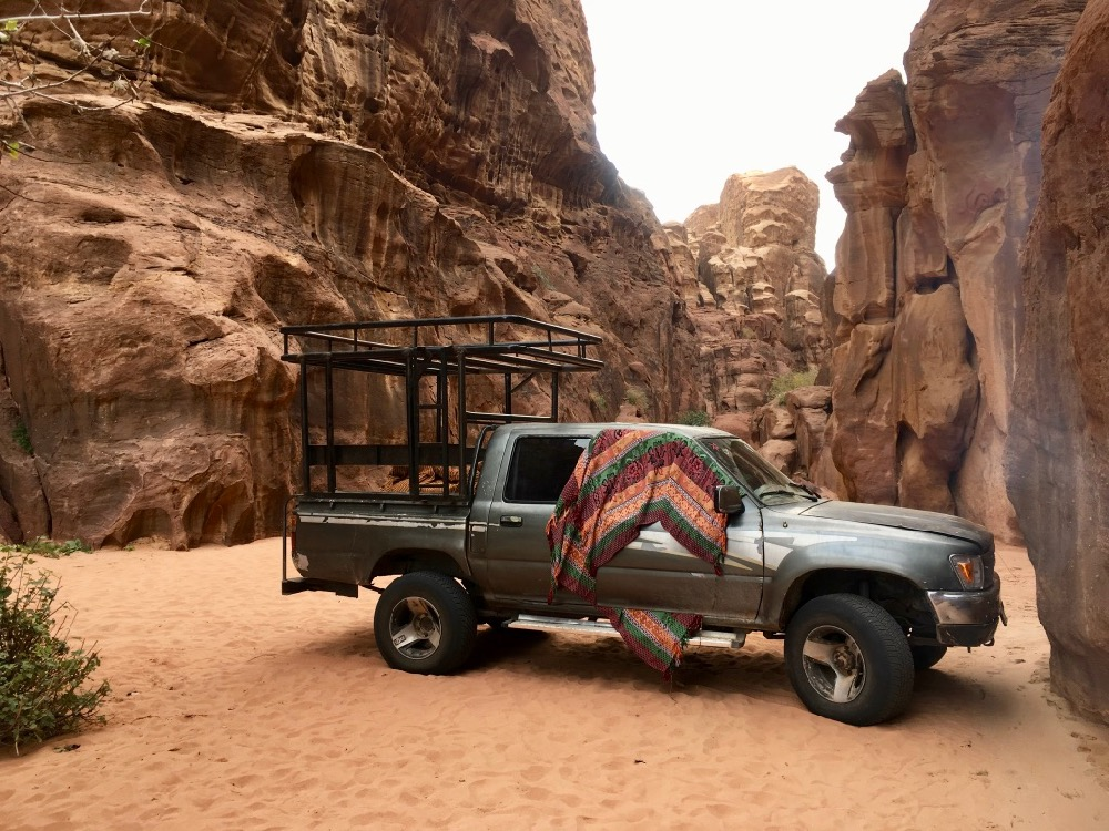 Jeep ve Wadi Rum