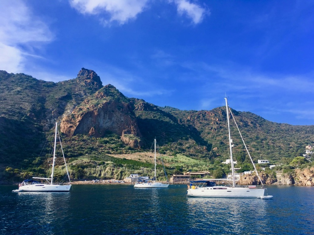 Lipari - jachty na moři