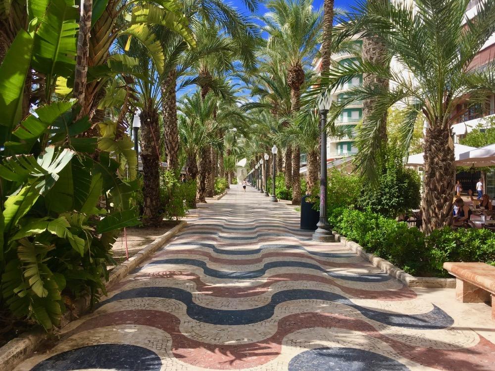Chodník v Alicante