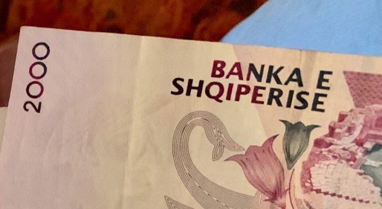 Albánie - peníze