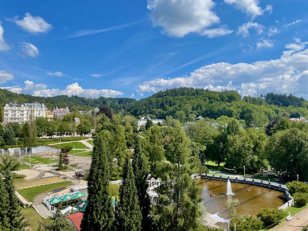 Výhled na Mariánské lázně z hotelu Palace Zvon