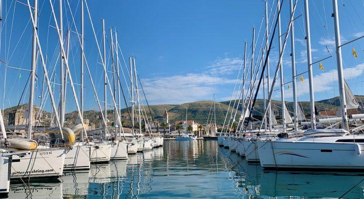 Trogir - pohled z přístavu